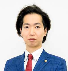 代表弁護士 吉岡 達弥